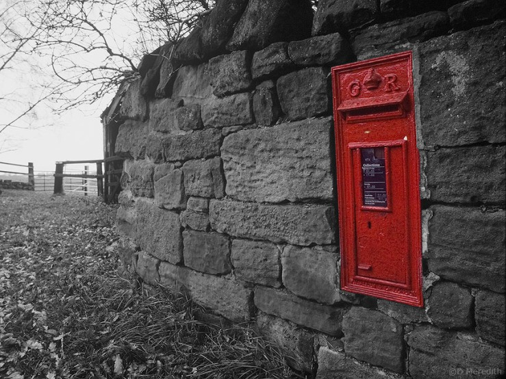 Selective colour treatment of an old post box.
