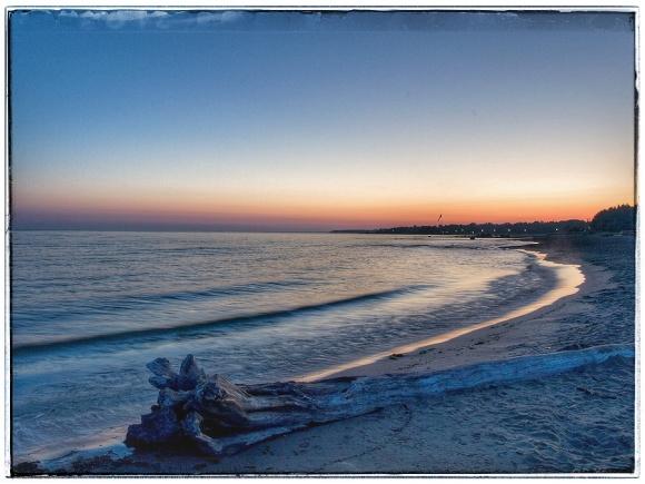 Dawn on the shoreline.