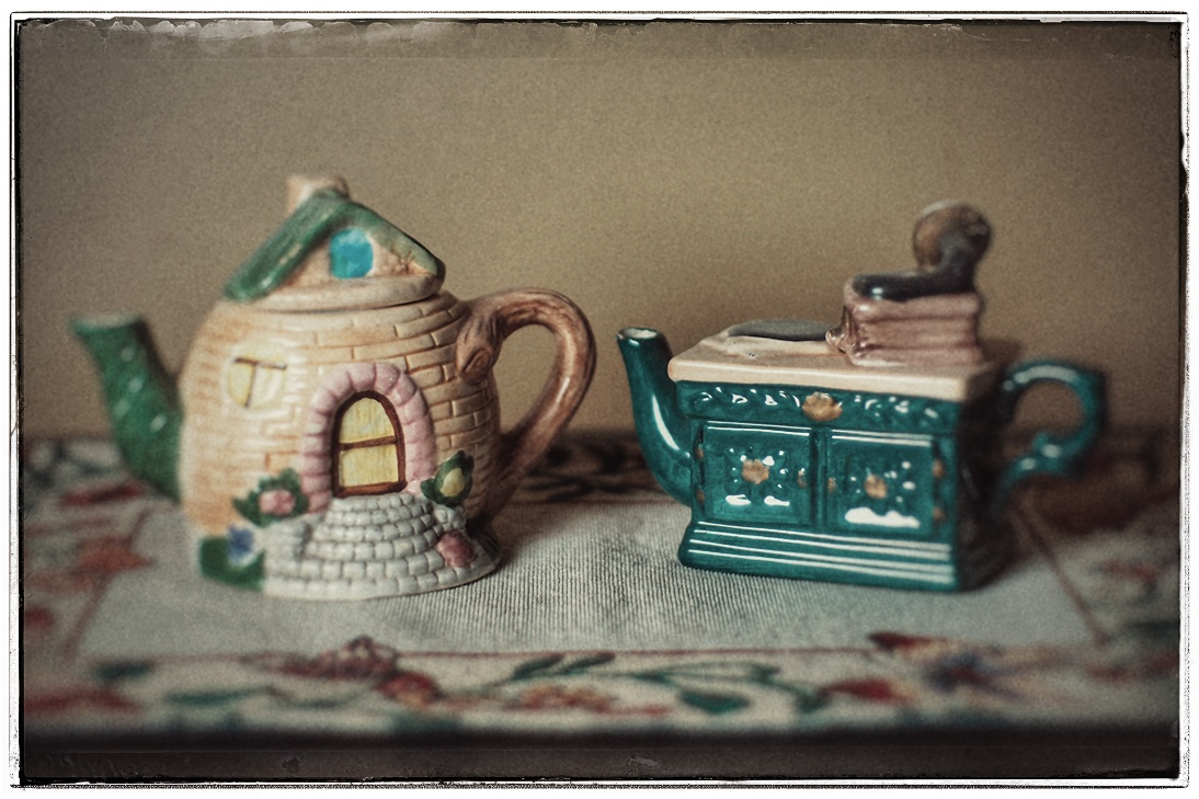 Weekly Prompts Photo Challenge: The Teapot